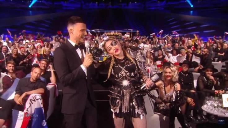 Madonna y Assi Azar